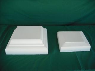 De izquierda a derecha: Remate cuadado 30x30x10 cm.; 22x22x5 cm. - Balaustre Sol