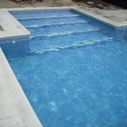 Coronación de una piscina en un chalet de Turís, Valencia